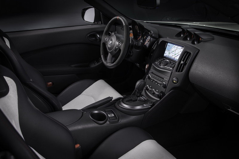 2015 Nissan 370Z Nismo Roadster Concept Interior - image 616669