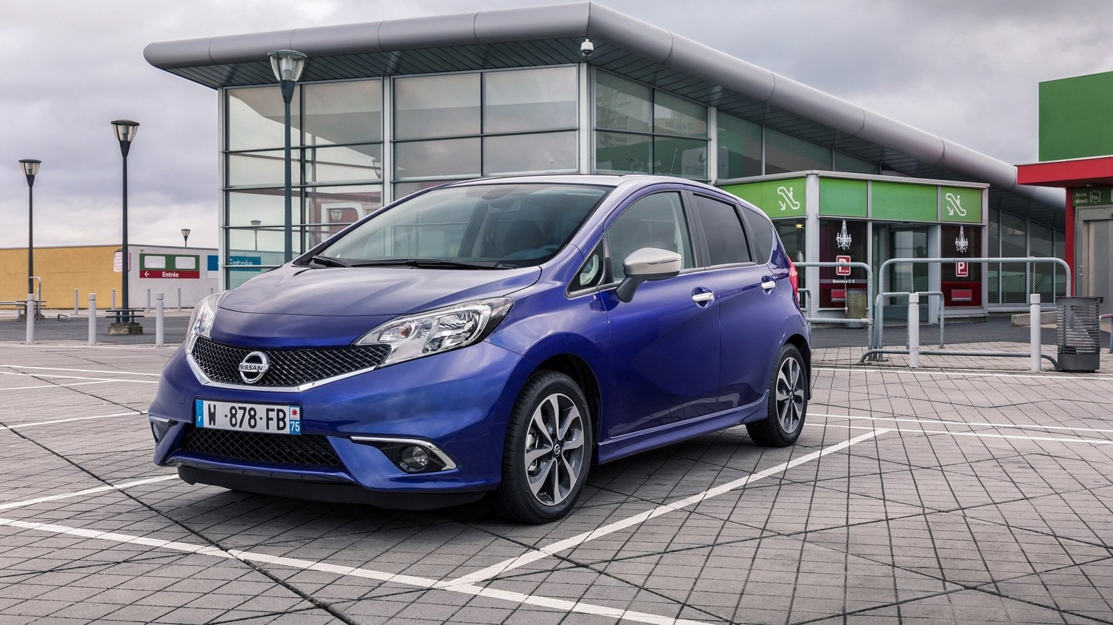 2015 nissan note n tec review top speed. Black Bedroom Furniture Sets. Home Design Ideas