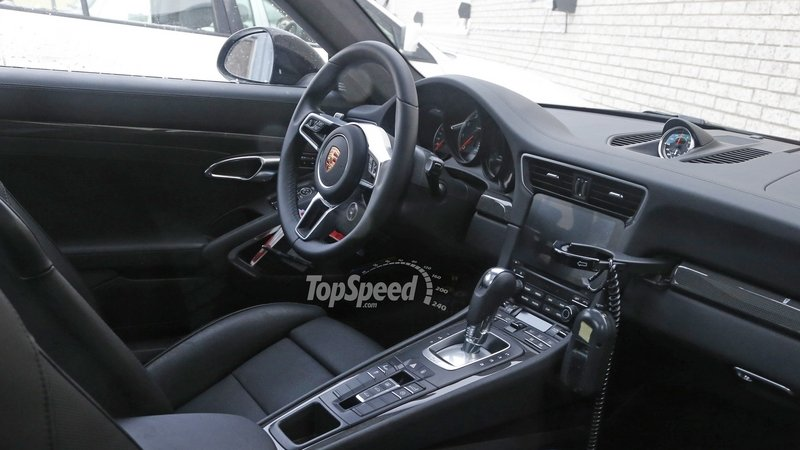 Porsche 911 Turbo Interior: Spy Shots