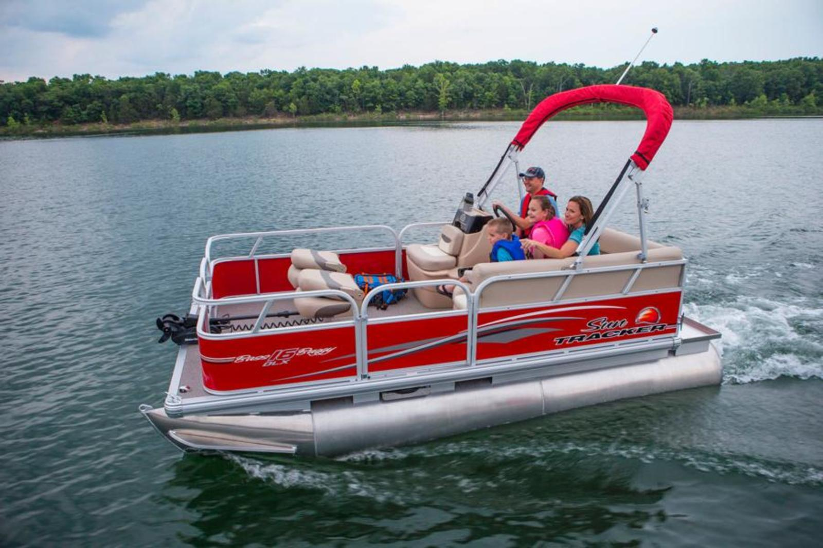 2015 sun tracker bass buggy 16 dlx et review top speed for Electric motor for pontoon boat
