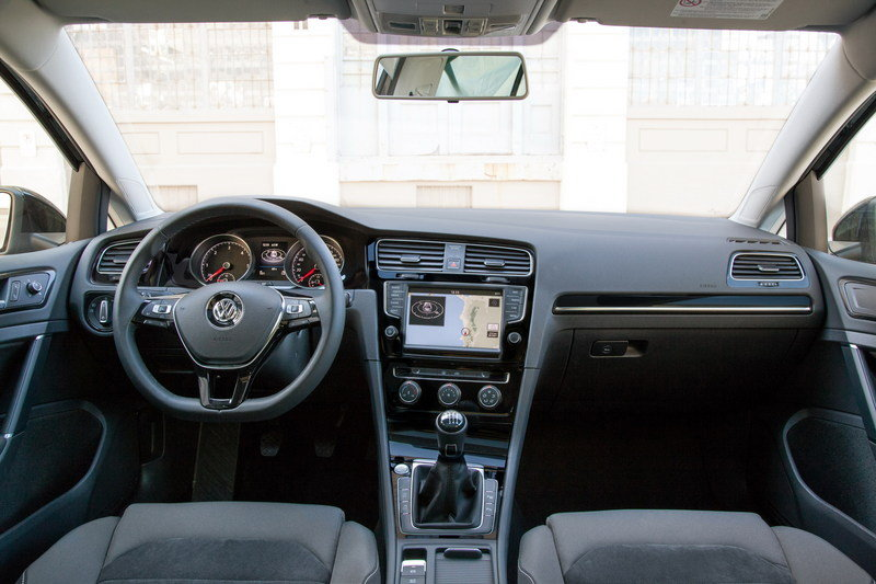 2015 Volkswagen Golf SportWagen High Resolution Interior - image 615928