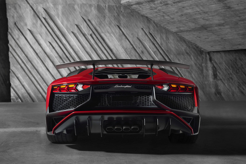 2015 Lamborghini Aventador Superveloce High Resolution Exterior - image 619714