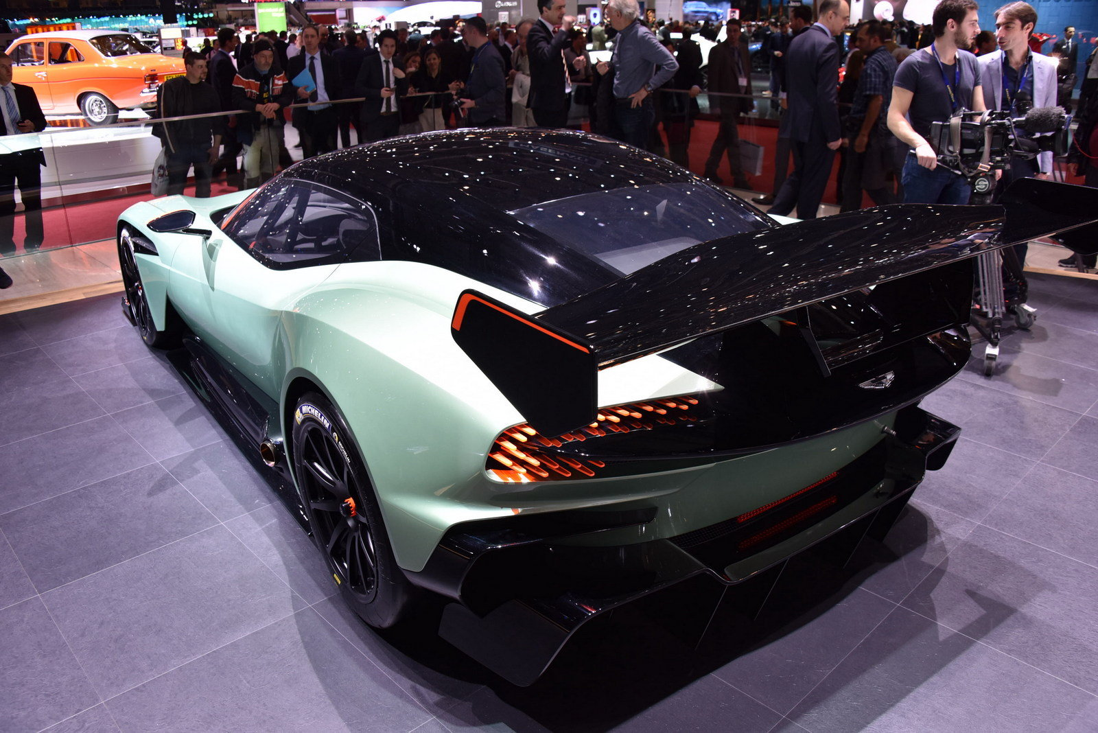 2016 aston martin vulcan picture 620226 car review top speed. Black Bedroom Furniture Sets. Home Design Ideas