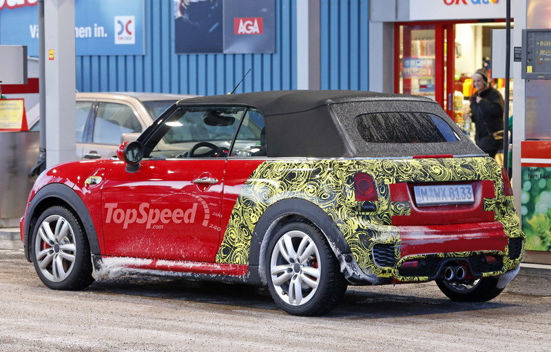 Mini JCW Convertible Shows Some Skin: Spy Shots Exterior Spyshots - image 621281