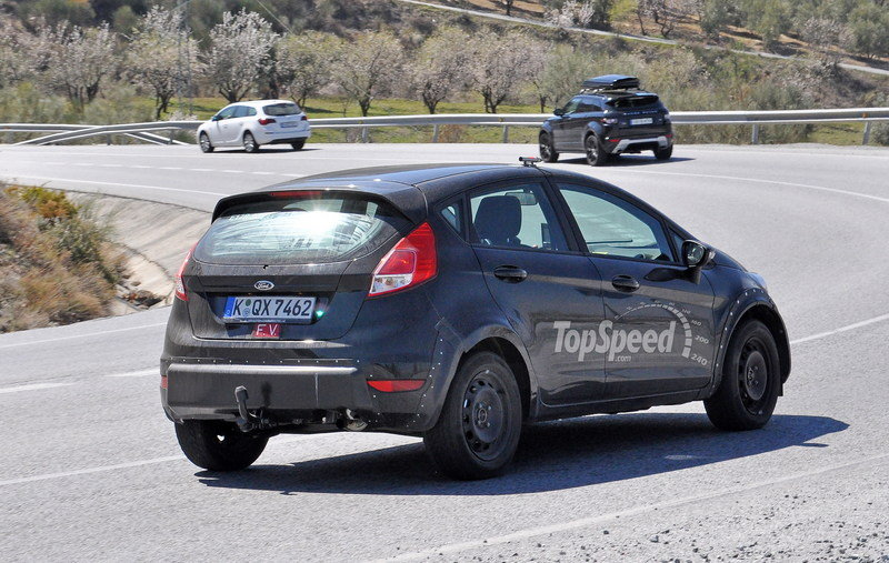 Ford May Finally Build a Fiesta RS, But It's Not Coming to the U.S. Exterior Spyshots - image 621583