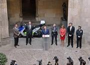 BMW Delivers Fleet Of Electric Maxi Scooters To Barcelona Police - image 621604