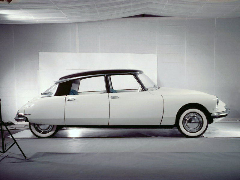 Citroen DS - A Look Back High Resolution Exterior - image 621421
