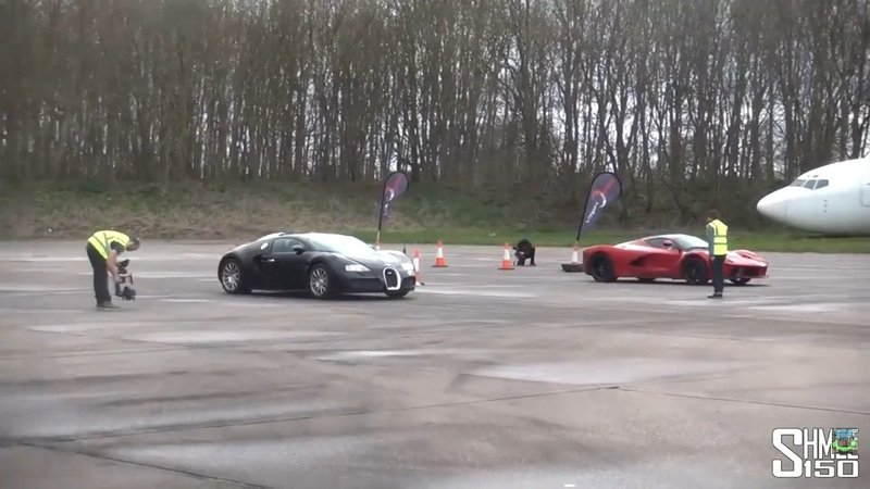 Ferrari LaFerrari Vs. Bugatti Veyron In A Drag Race: Video