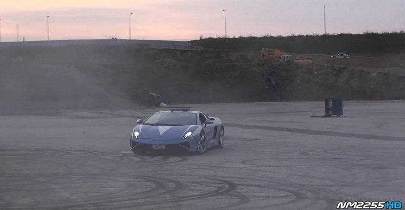 Lamborghini Gallardo LP560-4 Police Car Does Donuts: Video