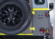 2015 Land Rover Defender Paul Smith Edition - image 623200