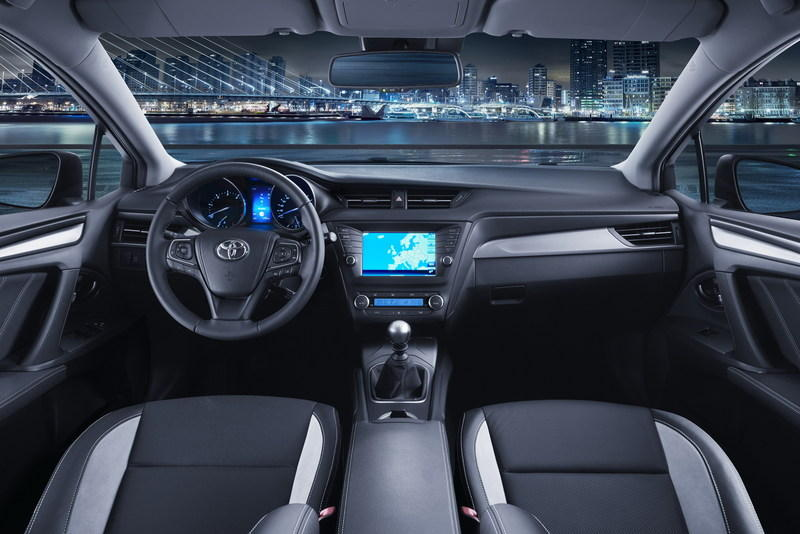 2015 Toyota Avensis High Resolution Interior - image 619888