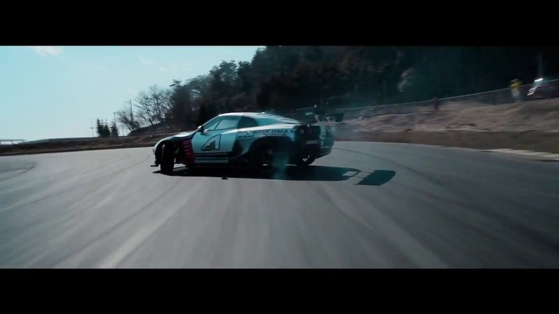 1000 HP Nissan GT-R Knows How To Drift: Video