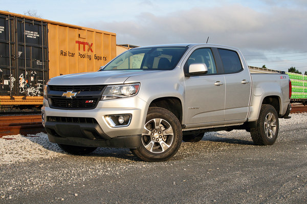 2017 gmc canyon all terrain x truck review top speed. Black Bedroom Furniture Sets. Home Design Ideas