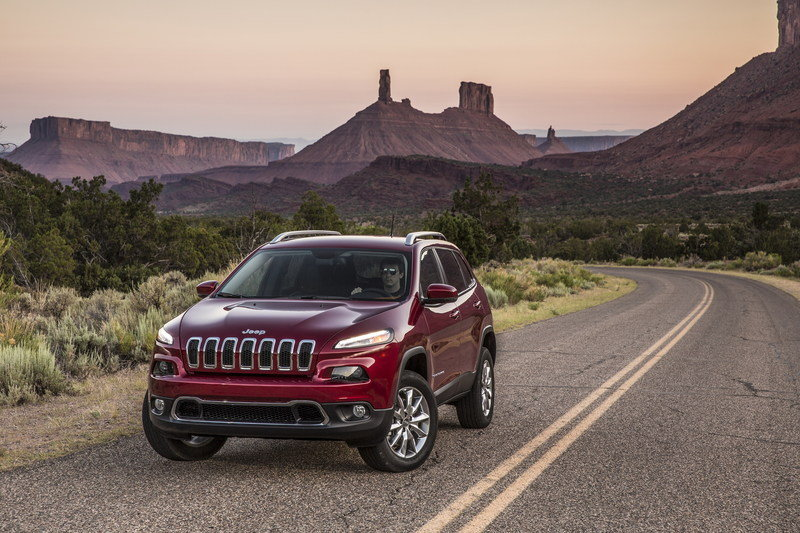 2015 Jeep Cherokee - Driven High Resolution Exterior - image 628279