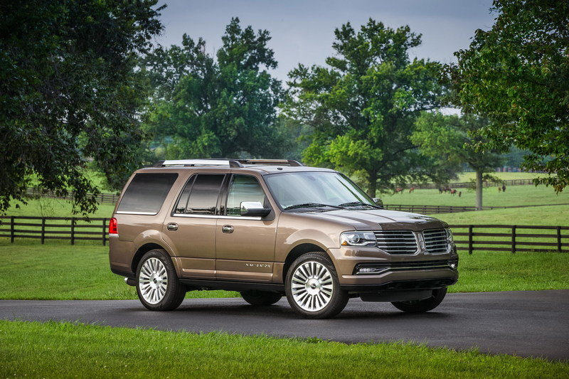 2015 Lincoln Navigator - Driven High Resolution Exterior - image 628256