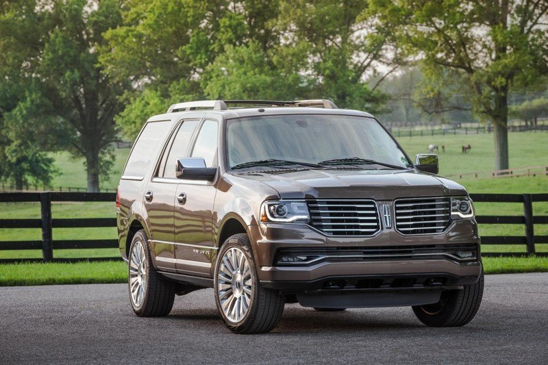 2015 Lincoln Navigator - Driven High Resolution Exterior - image 628242