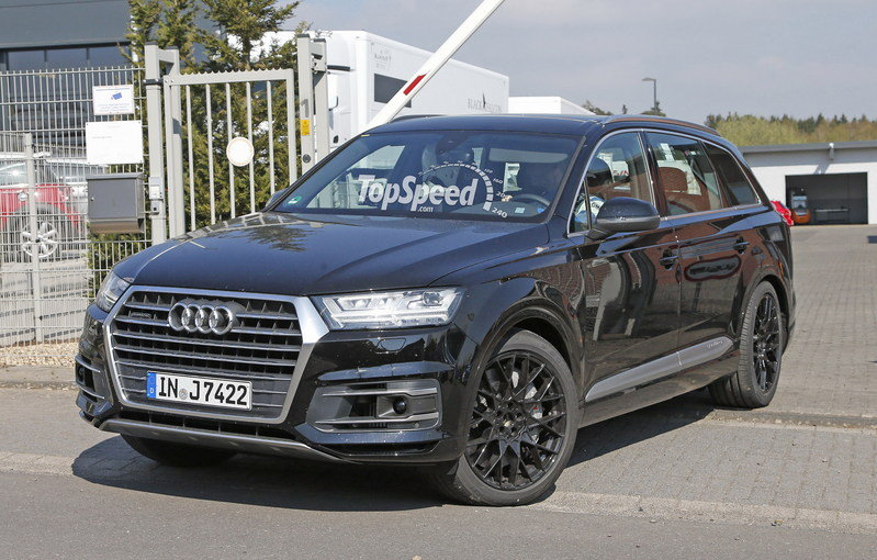2016 Audi SQ7 Caught Testing: Spy Shots