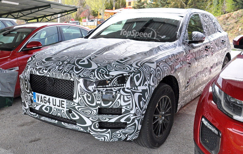 Jaguar F-Pace Spied Inside And Out: Spy Shots Exterior Spyshots - image 628555