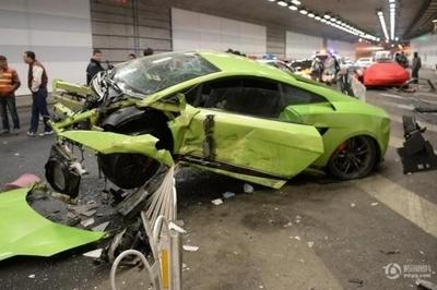 Ferrari 458 Spider and Lamborghini Gallardo Superleggera Destroyed In Illegal Drag Racing