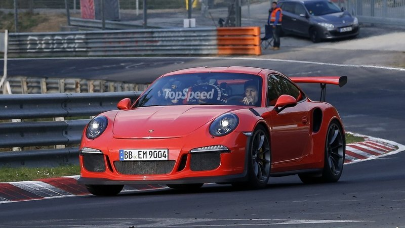 Mark Webber Takes The Porsche 991 GT3 RS For A Spin On The Nurburgring
