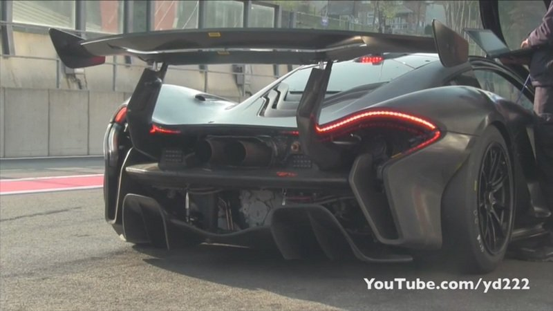 McLaren P1 GTR Makes Some Noise On The Track: Video