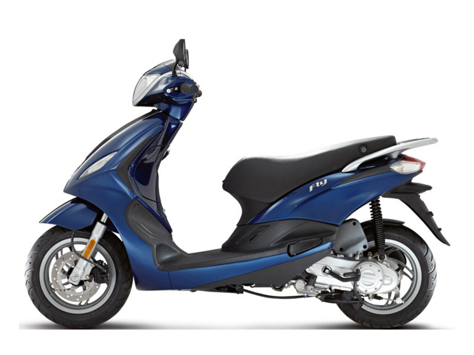 2015 piaggio fly 125 3v review top speed. Black Bedroom Furniture Sets. Home Design Ideas