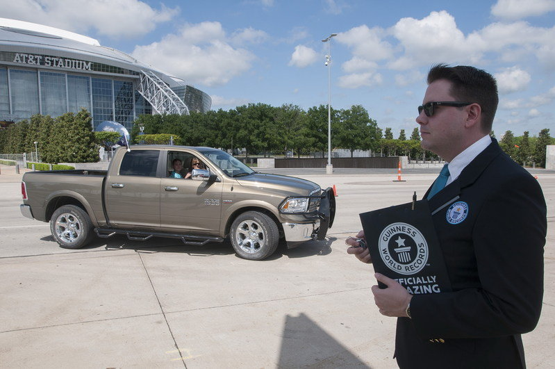 Ram Sets Guinness World Record With Longest Pickup Truck Parade - image 627629
