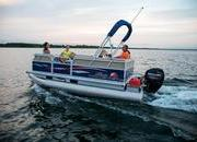 2015 Sun Tracker Party Barge 16 DLX - image 627349