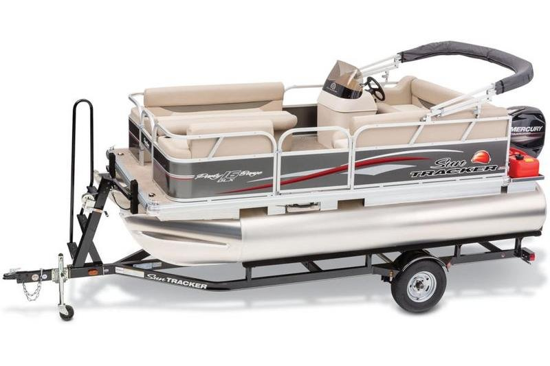 2015 Sun Tracker Party Barge 16 DLX