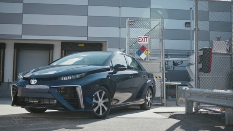 Toyota Mirai Gets Fueled by Haters Calling Bullsh*t