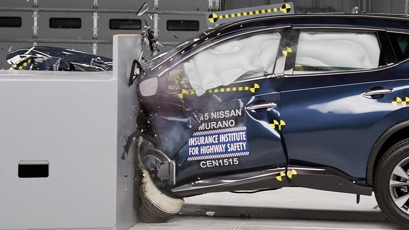 "2015 Nissan Murano Received ""Top Safety Pick Plus"" From IIHS"