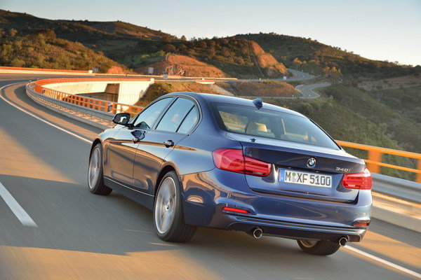 2016 bmw 3 series car review top speed. Black Bedroom Furniture Sets. Home Design Ideas