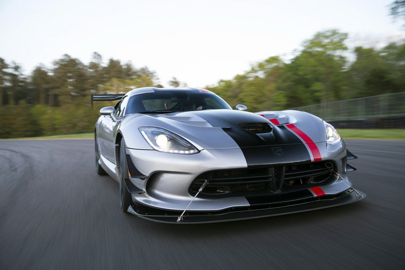 Crowdfunded Nürburgring Run Is A Fitting Send-Off For The Dodge Viper