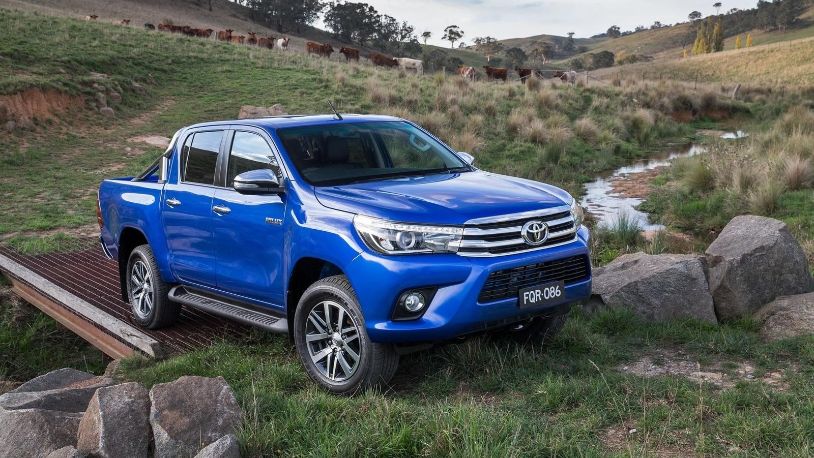 Toyota Hilux Reviews Specs Prices Photos And Videos Top Speed 1973 Land Cruiser