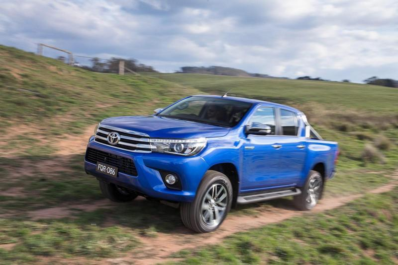 2016 Toyota Hilux - image 631011