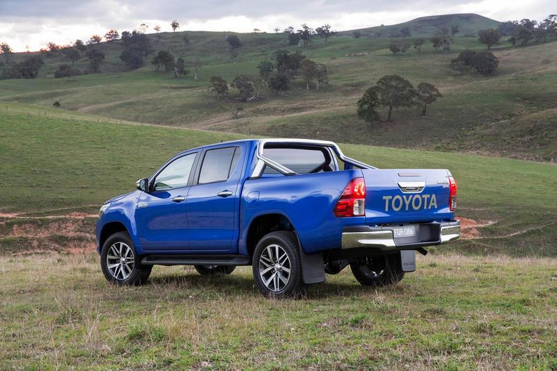 2016 Toyota Hilux - image 631013