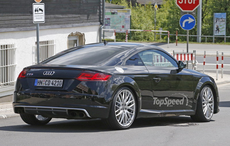 Audi TT RS Mule Caught Testing: Spy Shots