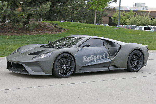 2017 ford gt caught on the road spy shots car news top speed. Black Bedroom Furniture Sets. Home Design Ideas