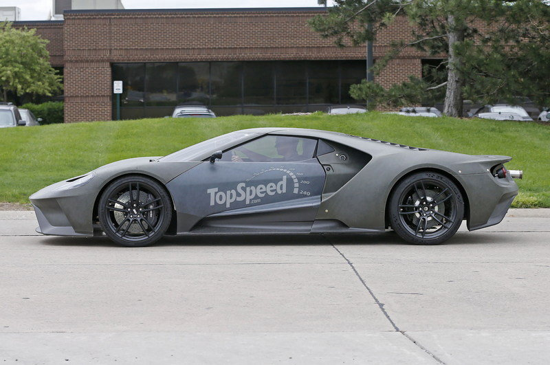 2017 Ford GT Exterior Spyshots - image 630318