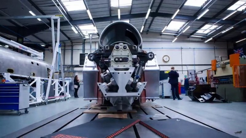 Bloodhound SSC Built In 90 Seconds: Video