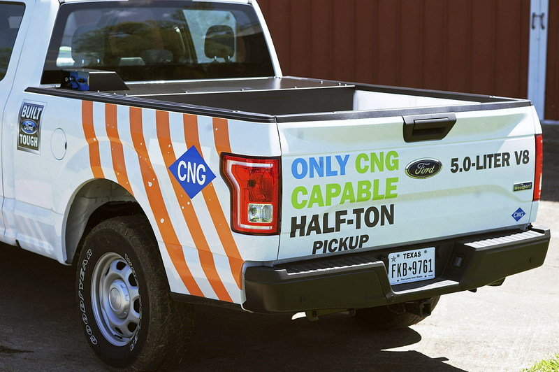2016 Ford F-150 Gets CNG Capability - image 628864