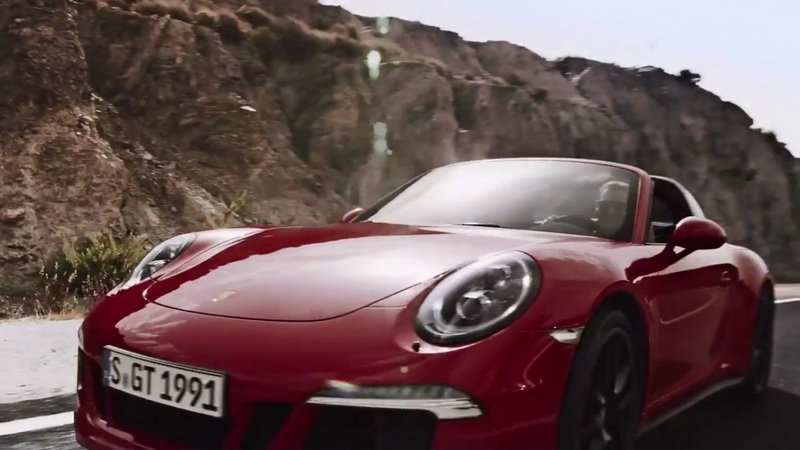 Porsche Highlights Its GTS Models: Video
