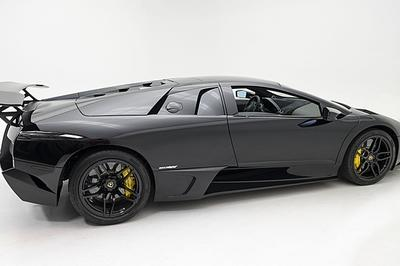 Six Lamborghini Supercars Will Be Auctioned In June