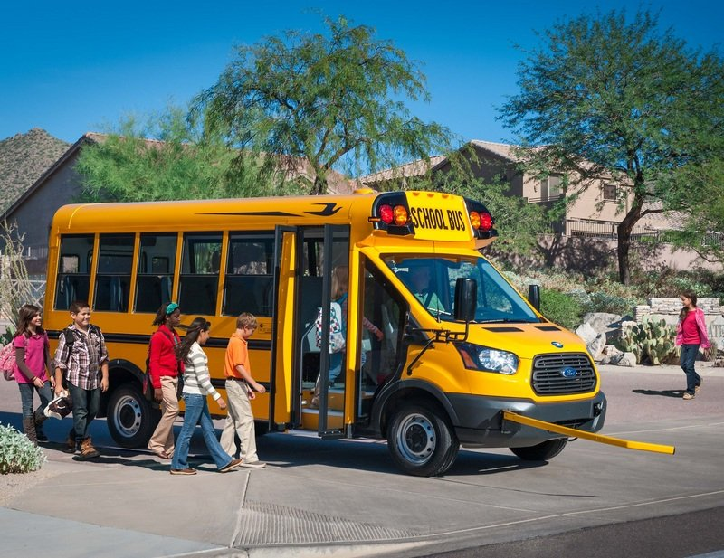2015 Ford Transit Gets Ready For School - image 631775