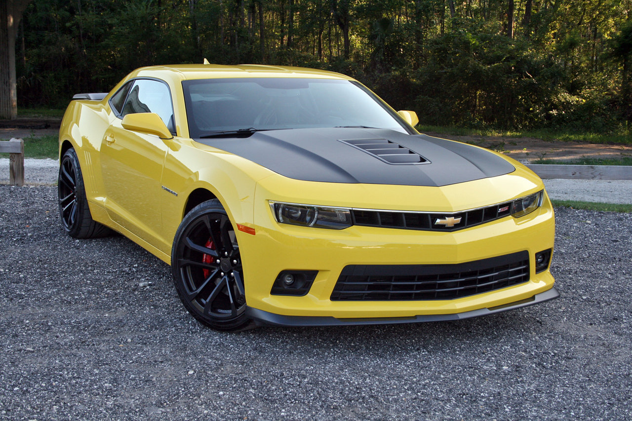 2015 Chevrolet Camaro Ss 1le Test Review Car And Driver