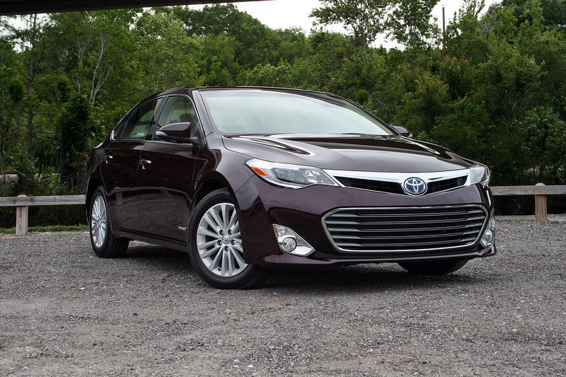 2015 Toyota Avalon Hybrid - Driven Exterior - image 632305