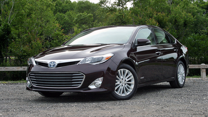 2015 Toyota Avalon Hybrid - Driven