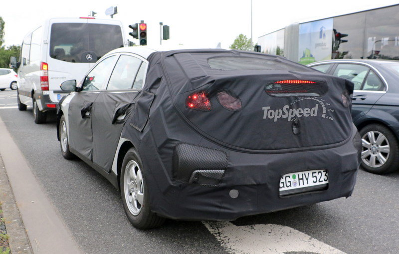 Hyundai Prius Fighter Caught Testing In Germany: Spy Shots