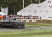 Aston Martin Vulcan Made Its Public Track Debut at Goodwood - image 635191