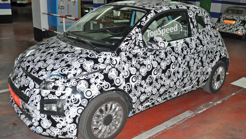 Facelifted Fiat 500 Parked In A Garage: Spy Shots
